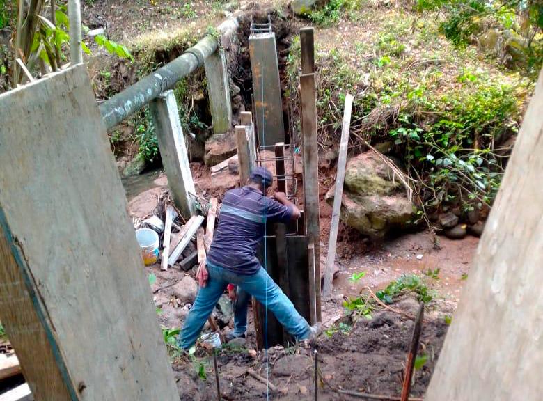 Rehabilitan sistema de alcantarillado sanitario en barrios de Carranza