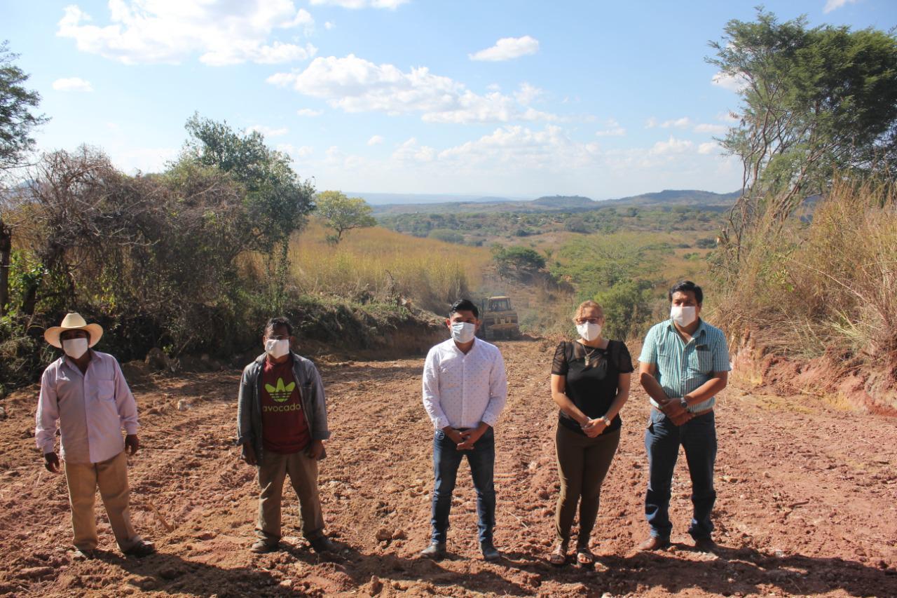 Ayuntamiento de Carranza coadyuva con el sector agrícola